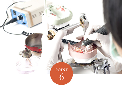 熟練の歯科技工士常駐